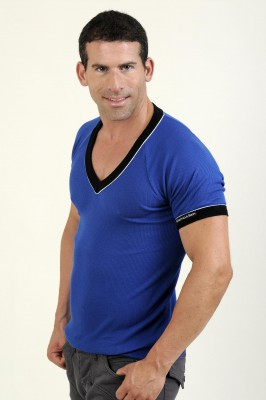 Whittall & Shon V-Neck T-Shirt Blau
