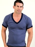 Whittall & Shon V-Neck T-Shirt M